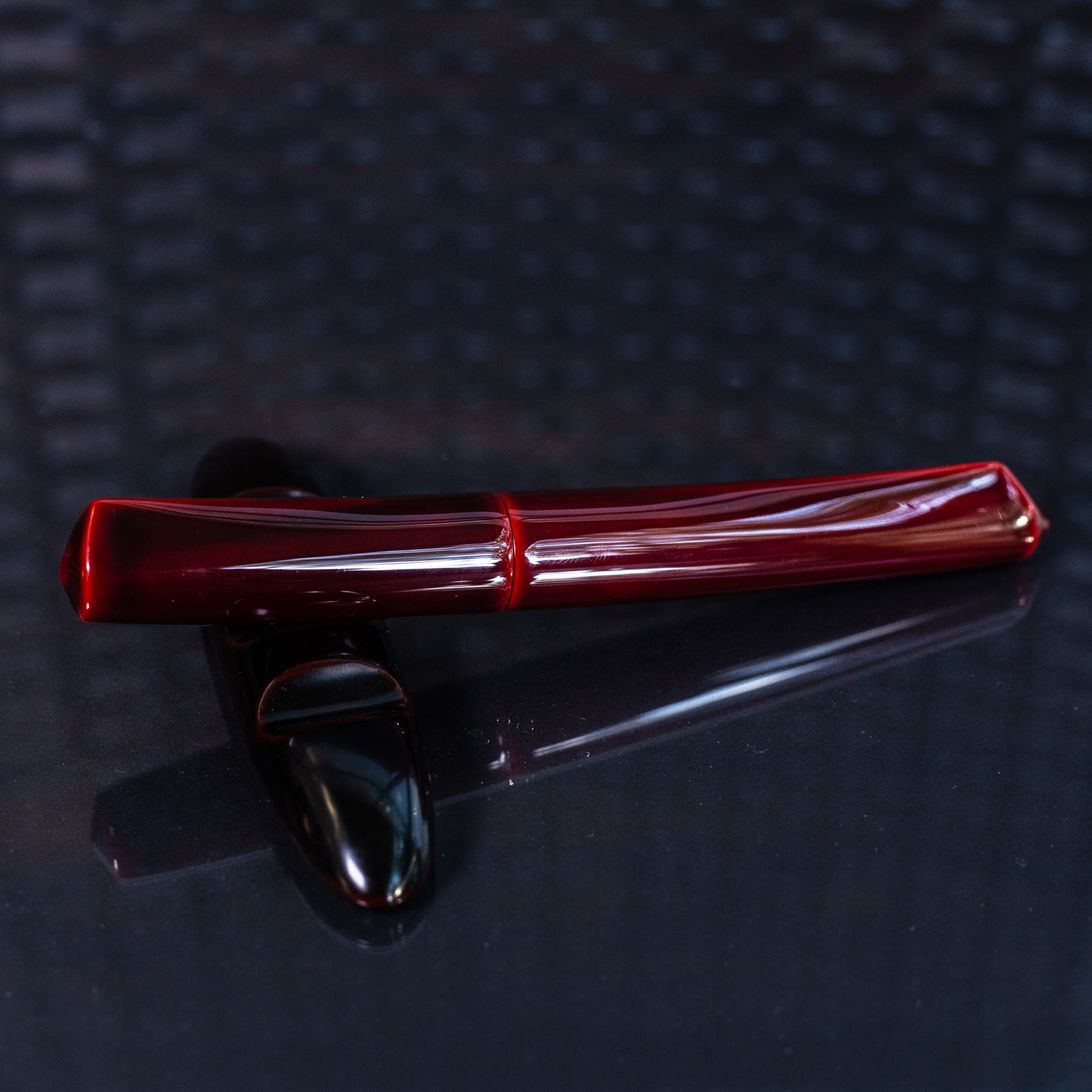 My grail pen – Nakaya Dorsal Fin v2 in aka-tamenuri.